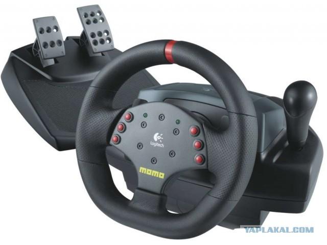 Продам игровой руль Момо 500р МСК