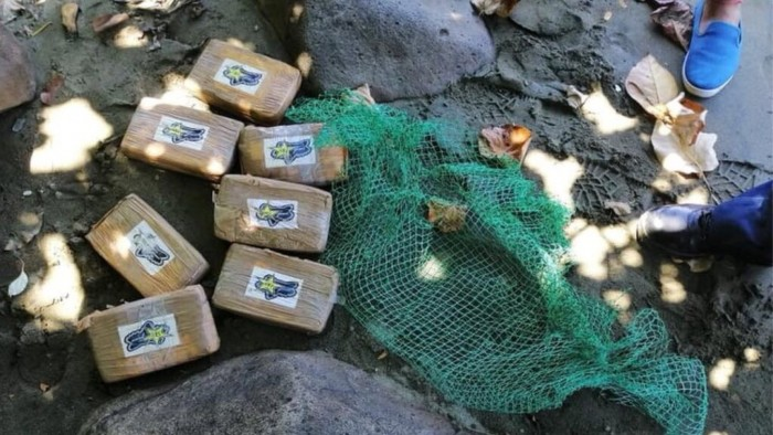 На Филиппинах море выносит на берег брикеты с кокаином