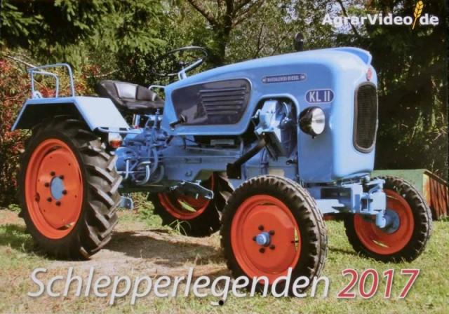 После пахоты: германские трактористки разделись к Новому году.