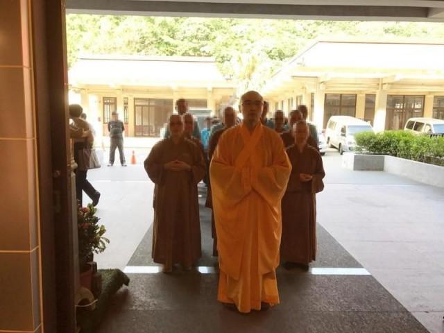 Буддийский монах, который курил мет и снимал порно в монастыре