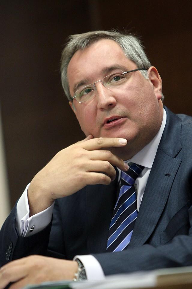 Рогозин призвал остановить «вымывание мозгов» за рубеж