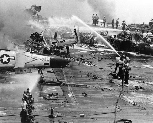 Вопросы альтернативной истории: о живучести авианосцев