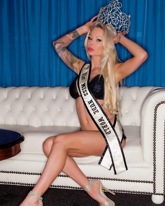 """""""Голая мисс мира - 2015"""" решила снова взять быка за рога и выиграть конкурс 18+"""