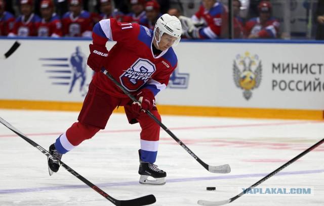 Путин забросил десять шайб на гала-матче в Сочи