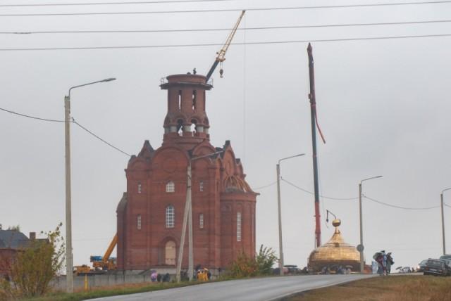 В Тамбовском районе при установке упал купол храма