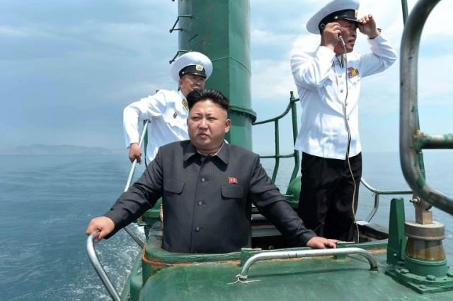Ким Чен Ын на подводной лодке