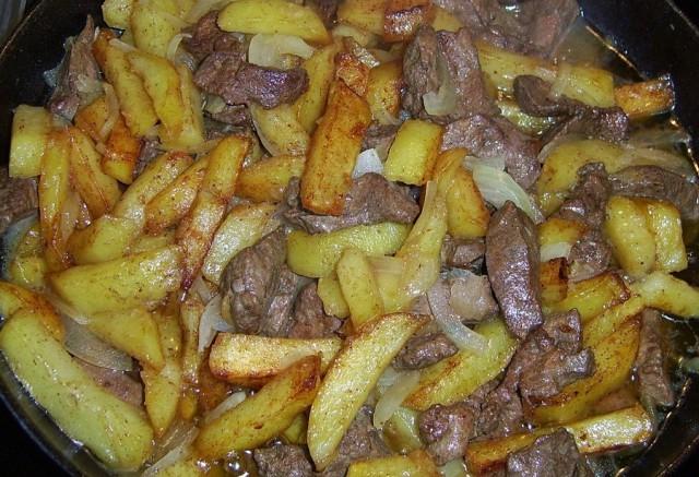 Куриная печень с картошкой на сковороде рецепт