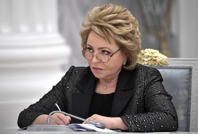 Матвиенко предложила отменить транспортный налог и повысить цены на бензин