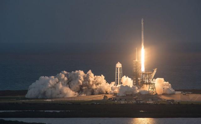 Новый двигатель для ракеты Falcon 9 взорвался во время испытаний
