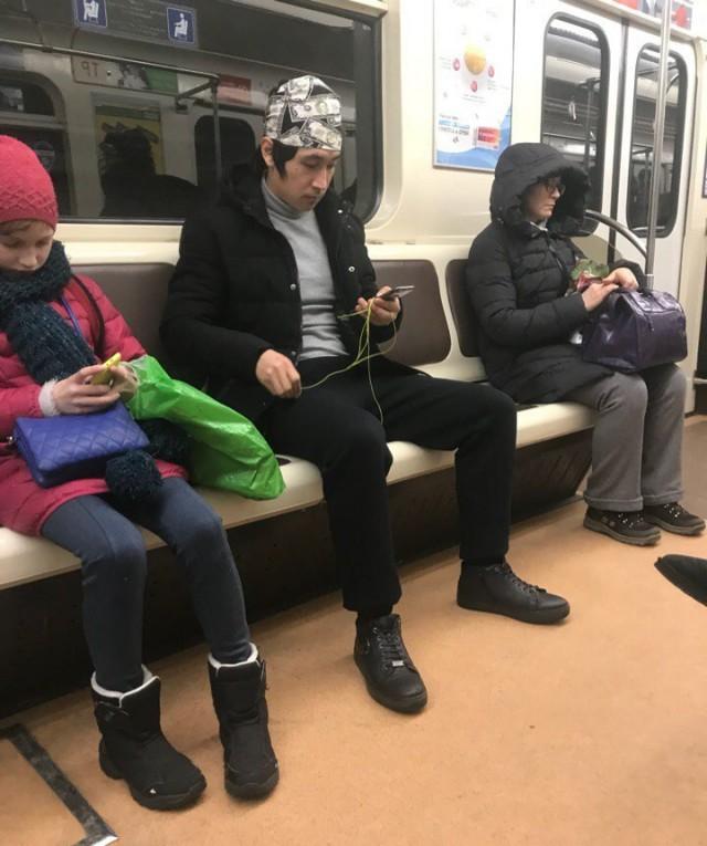 Модники жгут напалмом в метрополитене