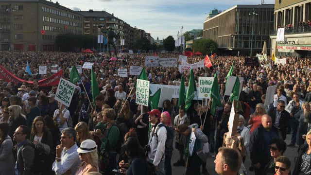 Митинг в Швеции (Гётеборг) в поддержку беженцев