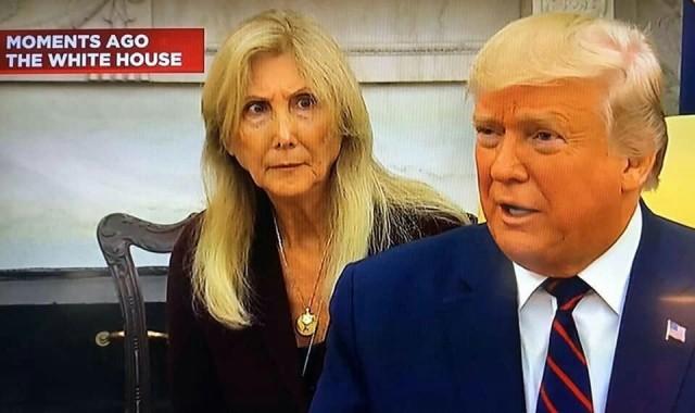 Дональд Трамп эффектно завершает совместную пресс-конференцию