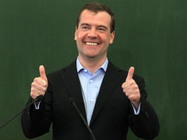 """Реакция россиян на знаменитую """"крымскую фразу"""" Медведева поразила западные СМИ"""
