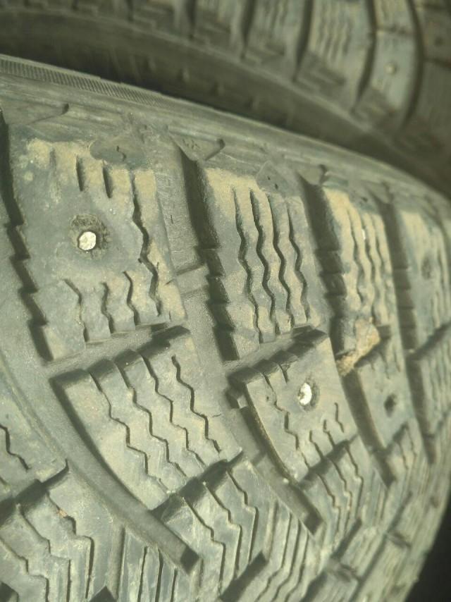 СПБ. Продам комплект шин Michelin XIN2 185/65/R15 почти даром