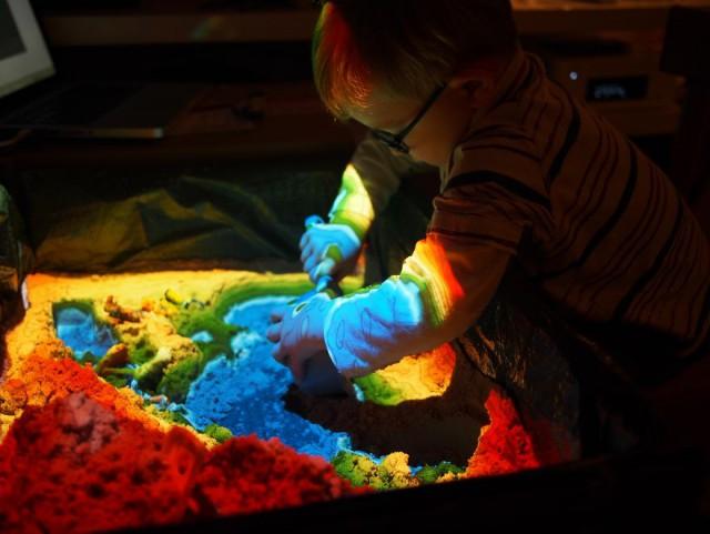 На день рождения сына отец сделал для него кибер-песочницу