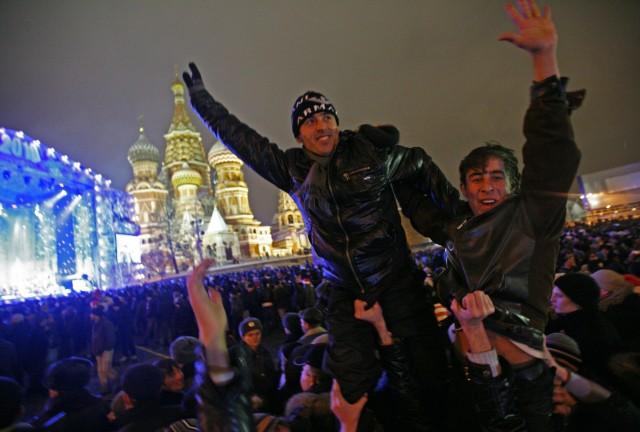 Центр Москвы в новогоднюю ночь стал эпицентром спецоперации МВД. Места массовых гуляний освобождали от мигрантов