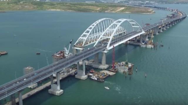А у нас ни мостов, ни совести!