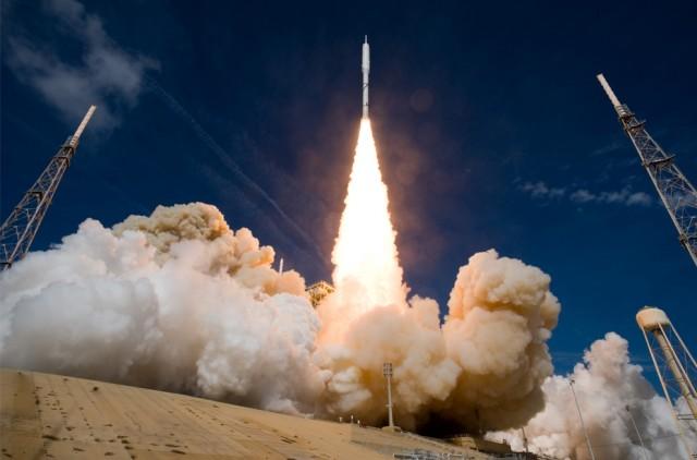 Фоторассказ о ракете Ares I-x  (26 фото)