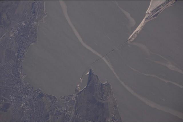 Российский космонавт сделал фото строящегося Крымского моста с МКС