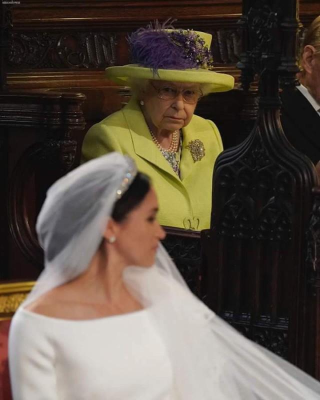 Одно фото с известной свадьбы. Для понимания всего