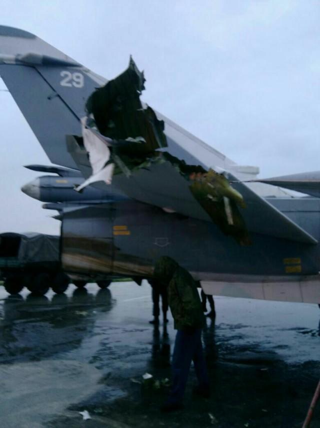 Самолеты ВКС России после минометного обстрела авиабазы Хмеймим в Сирии