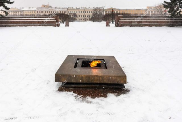 Хулиганы погасили старейший в России Вечный огонь