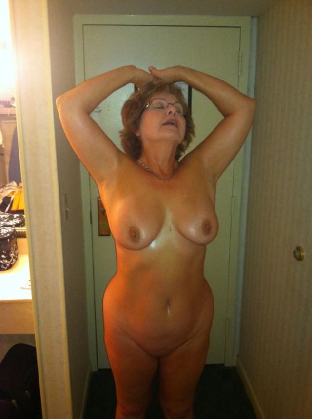 фото голих красивих жінок 40 років і старше
