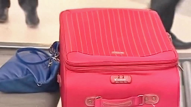Туристы из России пытались вывезти из турецкого отеля чемодан еды