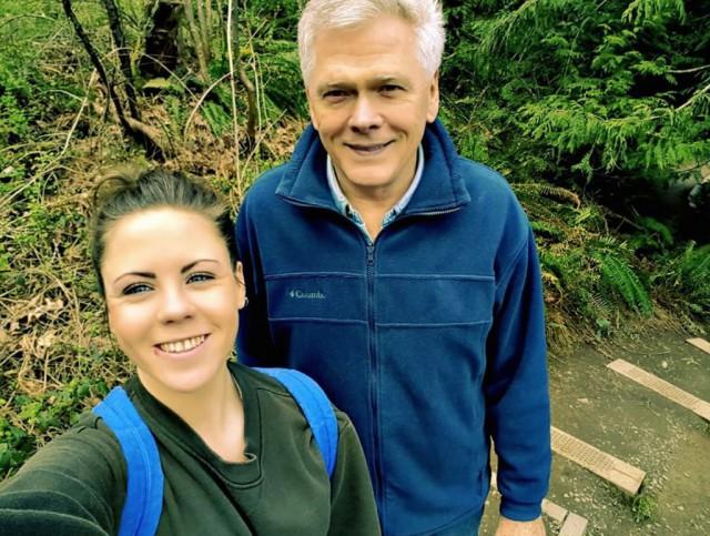 23-летняя девушка влюбилась в 68-летнего мужчину, вышла замуж и через год родила ему сына