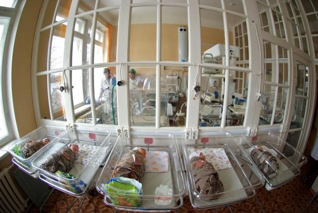 Роддом заплатит 1,5 млн рублей петербурженке за умершего ребёнка и бесплодие