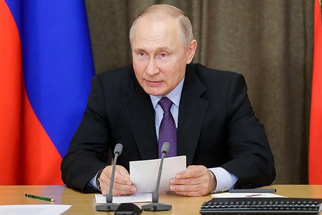 """Путин предложил обсудить боевые лазеры: """"Оружие из фантастических рассказов"""""""