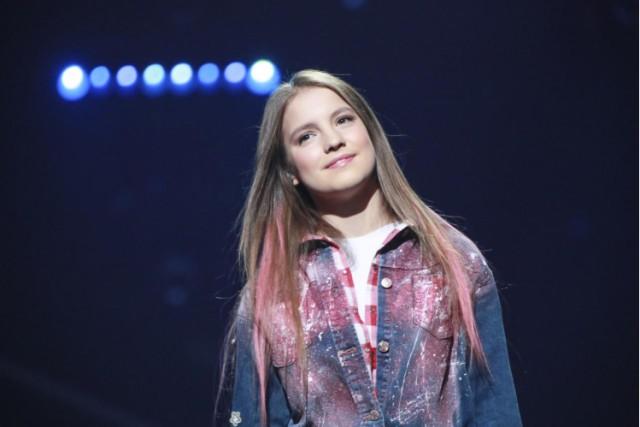 """Аня Филипчук, занявшая рекордно низкое 10 место на детском """"Евровидении"""", внезапно оказалась дочерью российского олигарха"""
