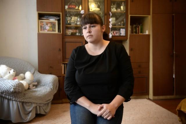 «Позвонила маме, сказала: я умираю»: уралочке во время операции случайно прокололи кишечник