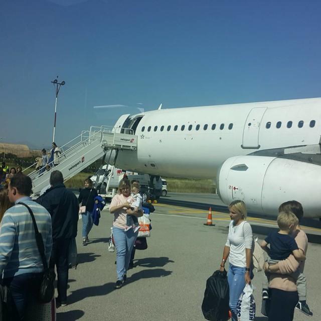 Профессор СПбГУ рассказал, как самолёт, на котором он летел из Греции, чуть не упал в море, но смог вернуться в аэропорт вылета