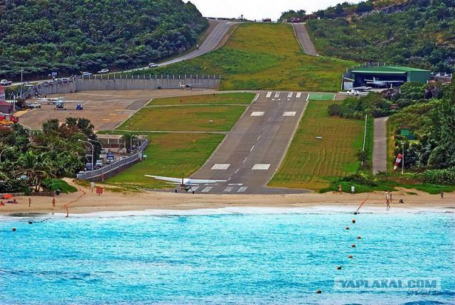 Аэропорт Гастаф III, Сент-Бартелеми