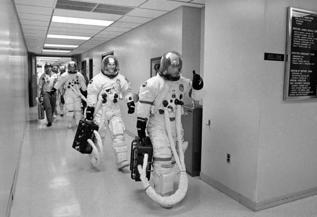 Аполлон 16