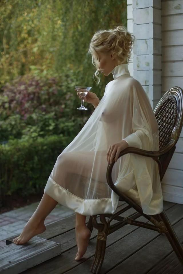 Для ценителей-гурманов эстетики женского тела.