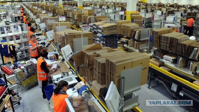 Американская компания Amazon повысит минимальную заработную плату в США до 15 долларов за час