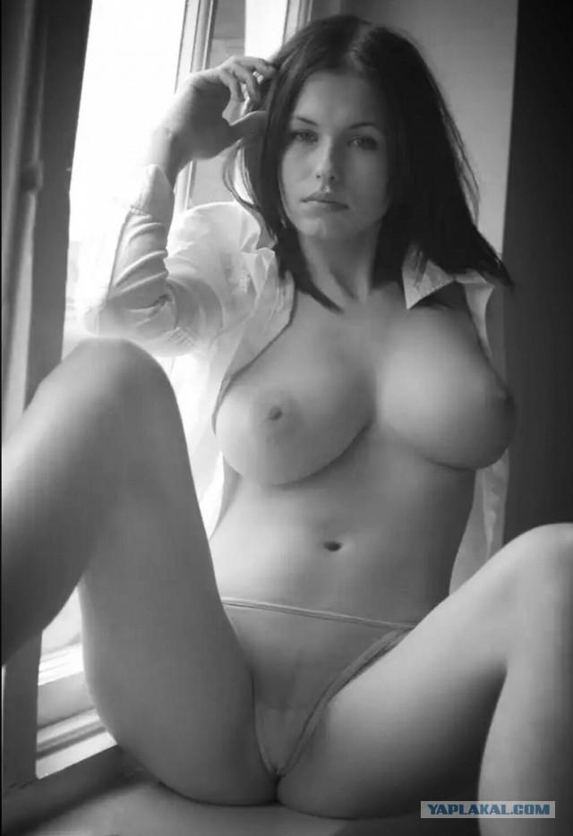 Черно-белая эротика. 18+