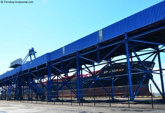 Угольно-чёрное царство в порту Усть-Луга