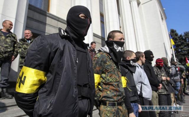 Правосеки кличут российскую армию