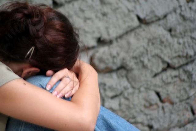 Школьницы в Омске изнасиловали ровесницу засняв всё на камеру