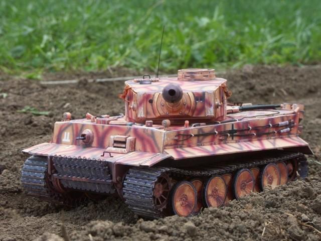 Танк Tiger PzKpfw VI (1943г.) своиим руками