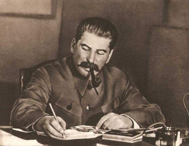 Сколько получали первые лица в СССР и Российской Федерации?