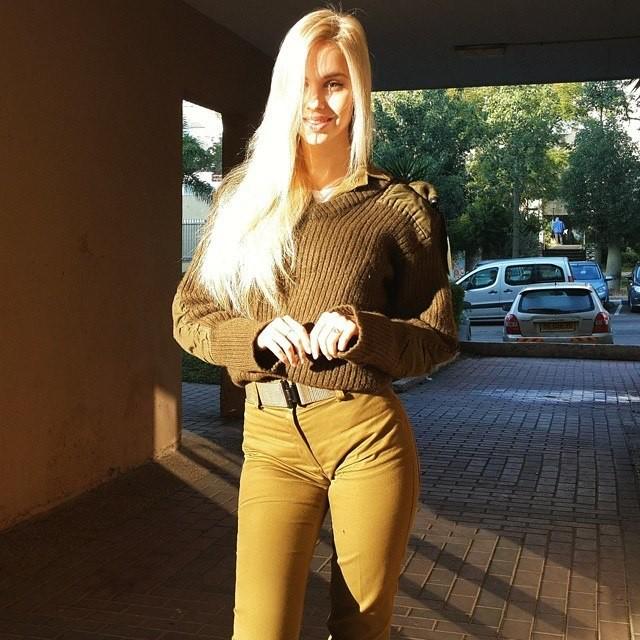 Тревога! Найдена самая сексуальная военнослужащая в мире