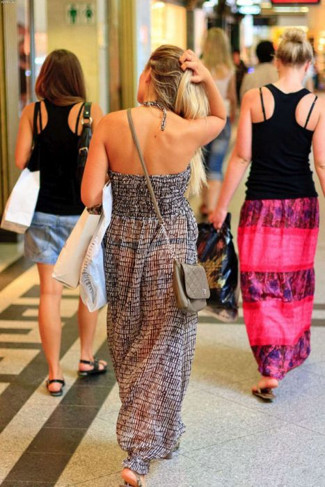 Девушки в празврачнах одеждах фото