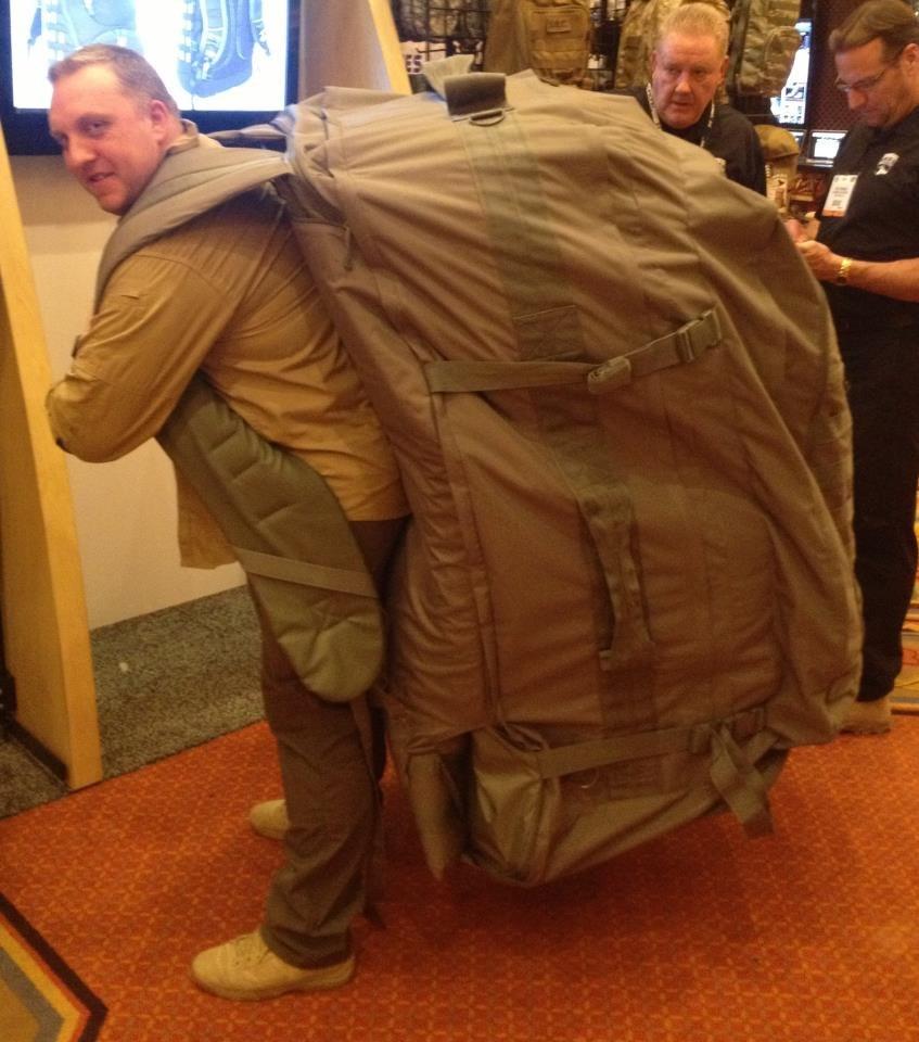 Человечек с рюкзаком что выбрать рюкзак-кенгуру или слинг