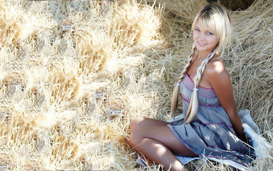 foto-krasivih-blondinok-v-derevne-porno-filmi-onlayn-nablyudayushiy