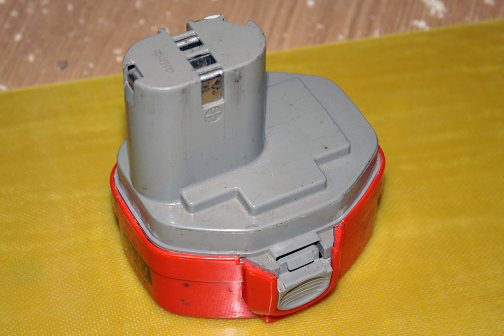 Как заменить аккумулятор на шуруповерте