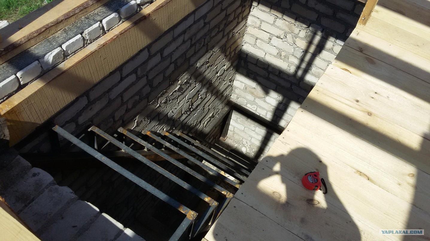 Фото металлической б лем лестницы фото ебли частное
